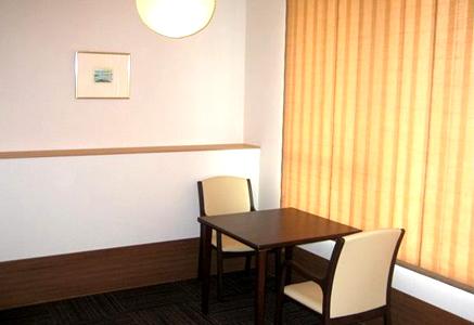 4F~8F病棟・個室A テーブルセット